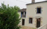 Situated in a peaceful hamlet in Haute Vienne is this renovated 2/3 bedroom house