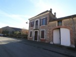 Village house, 4 bedrooms, outbuildings, 610m² of land.