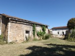 2 Bedroom house, barn and 2000m² garden