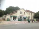 Large family house with shop premises & garden