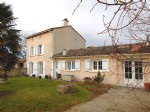 Country house close to amenities