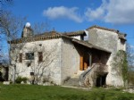 Stone House of 180 m² habitable on 8500 m² of land in the middle of nature.