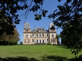 Ideally situated 20mn from Toulouse, with a view on the Pyrénées