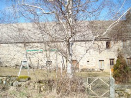 Farmhouse, with land and adjoining outbuilding of 160m² (2 levels)