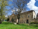 Near Figeac, bid character house with outbuildings. On the garden floor : a workshop and a room