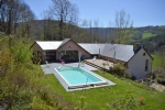 House set in the Aveyron town of Coupiac, in the context of warm and authentic life