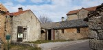 Only 25 mins from Millau, a house and a barn with attached courtyard