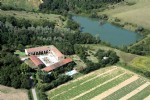 Domaine set in 3.5ha with Pyrenees views and a lake