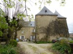 Castle with a lot of charm in green perigord