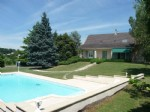 At Figeac, big house with a 3000m² garden an a swimming pool