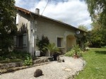 Juignac -4 bedoom house in the countyside with pigeonier and private mature garden