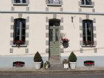 Fabulous 5 Bedroom Maison Stylishly Renovated and Decorated Throughout