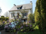 10 mns dinard : pretty, detached house, built on full basement, located in small