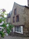Dinan centre historique - substantial 5 bedroom stone house with garden