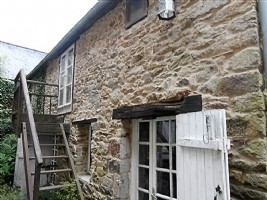 Stone cottage by the rance