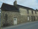 House for sale in brittany - 3 bed house  et  stone buildings to renovate, villa