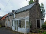 House for sale in brittany : house and collection of outbuildings to renovate