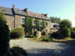 10 mns from dinan and the coast- old farmhouse complex offering two houses and o