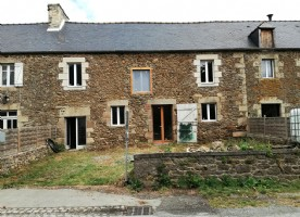 House for sale in brittany : renovation opportunity