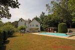 Brioux-sur-Boutonne (79) - Immaculate town property offering 5 beds including 3 with en-suites