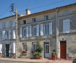 Jarnac (16) - Town house recently renovated