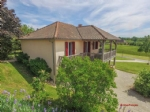 Nr Hautefort (24) - Modern property on golf complex, private gardens, balcony and covered terrace
