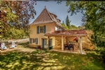 Near Gourdon (Lot) - 2 character houses providing 3 separate dwellings, 2 swimming pools
