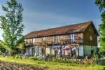 Montpon-Ménestérol (Dordogne) - Flexible Barn Conversion with 9 bedrooms, pool