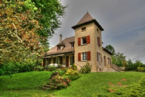 Bretenoux (Lot) - Superior quality house (1974) with spacious rooms and attractive, mature park