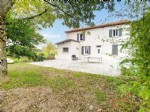 Near Albi (81) - An elegant 'corps de ferme' fully renovated offering quality living
