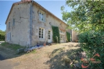 Ecuras (Charente) - Impressive 5 bed barn conversion with meadow, set on the edge of a quiet hamlet
