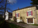 Set of 3 renovated houses with court and garden, quiet situated