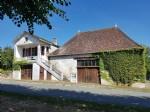Near Saint Savin: house with nice convertible barn