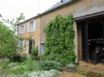 Comfortable country house with barn,