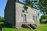 Surface habitable : 123 m² Chambres : 2 Terrain : 9 285 m²    Une jolie maison en pierre