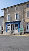 Great potential for a property, former bar, in the heart of a vibrant town