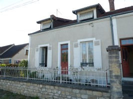 Charming house with 1677m² of land.