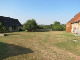 Stunning 4/5 bedroom farmhouse with land and large barn.