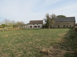 2 bedroom detached farmhouse with large barn and lots of land.