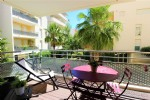 Stylish, contemporary secure 1 bedroom apartment, just 2 mins to transport!