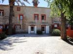 * Appartement en pierre avec grand jardin dans un hameau privé
