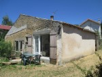 French property for sale: House to renovate in a quiet setting.