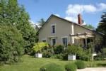 Belle maison renovée avec piscine, 1ha de terrain et divers dépendances