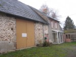 Detached house to refresh with large barn and garden