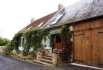Beautifully appointed detached house with charming garden