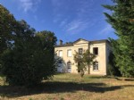 Detached spacious house with large garden, in the Town