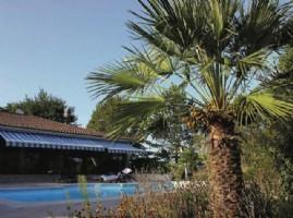 Detached 5 bedroom villa with pool
