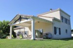 Complex of 3 detached houses, set on a lovely garden 8000m2