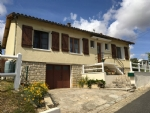 Immaculate 2 Bedroom House With Basement. Lovely Gardens/Views - Between Civray And Champagne-Mouton