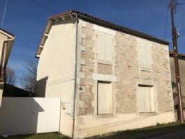 3 Bedroom Stone House to Renovate